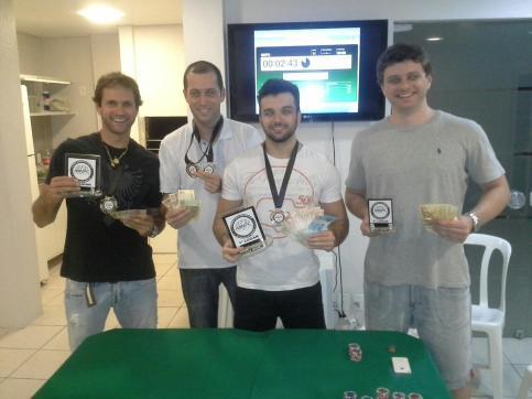 Estes são os campeões do 8º Ranking MNPC. Pablo (E), Guto, Bloedow e Beiço (D)